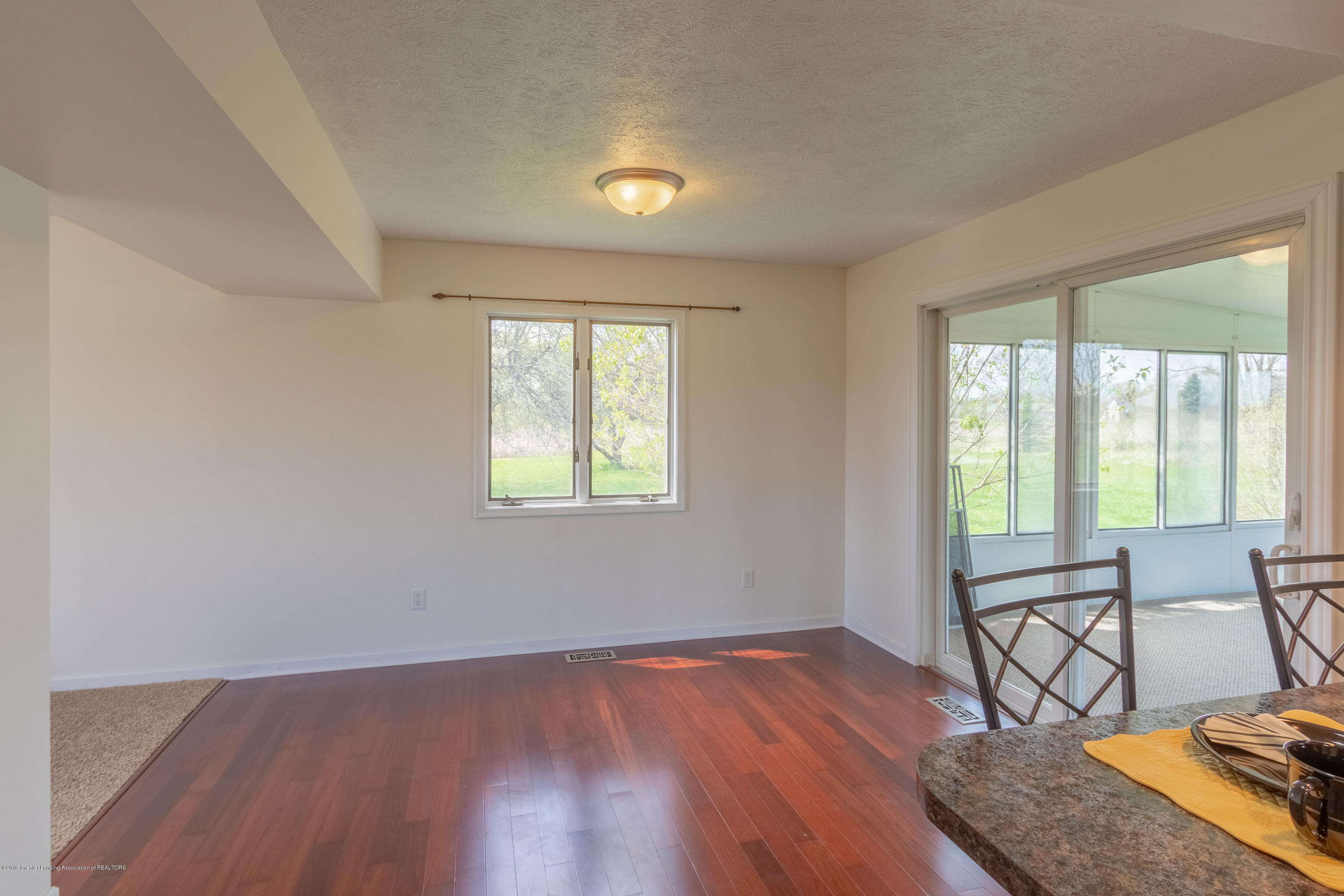 415 Holt Rd - Stained wood floors - 17