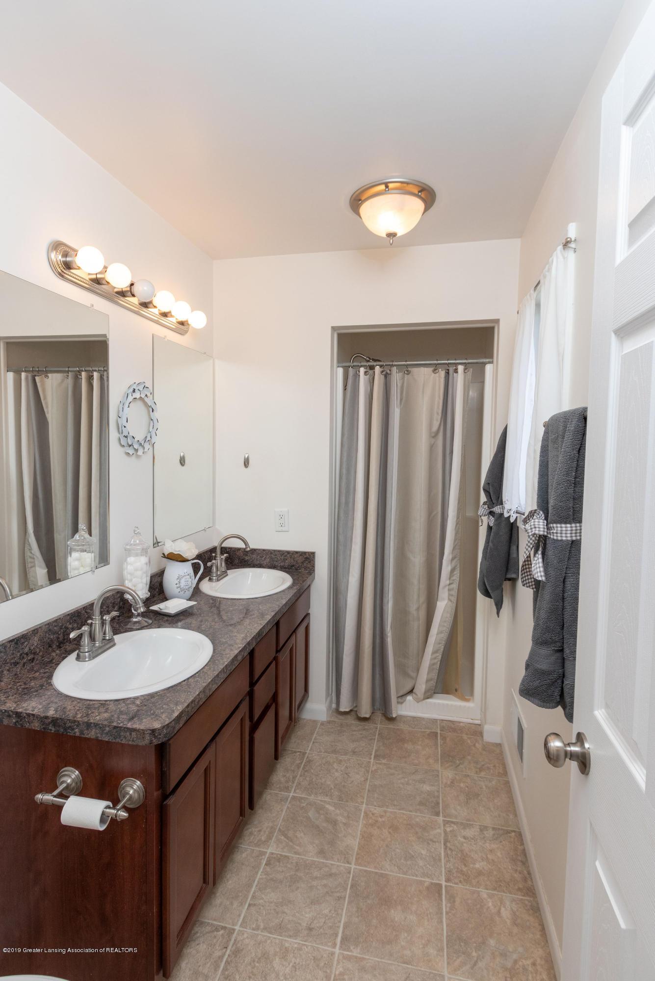 415 Holt Rd - Master Bath - 30