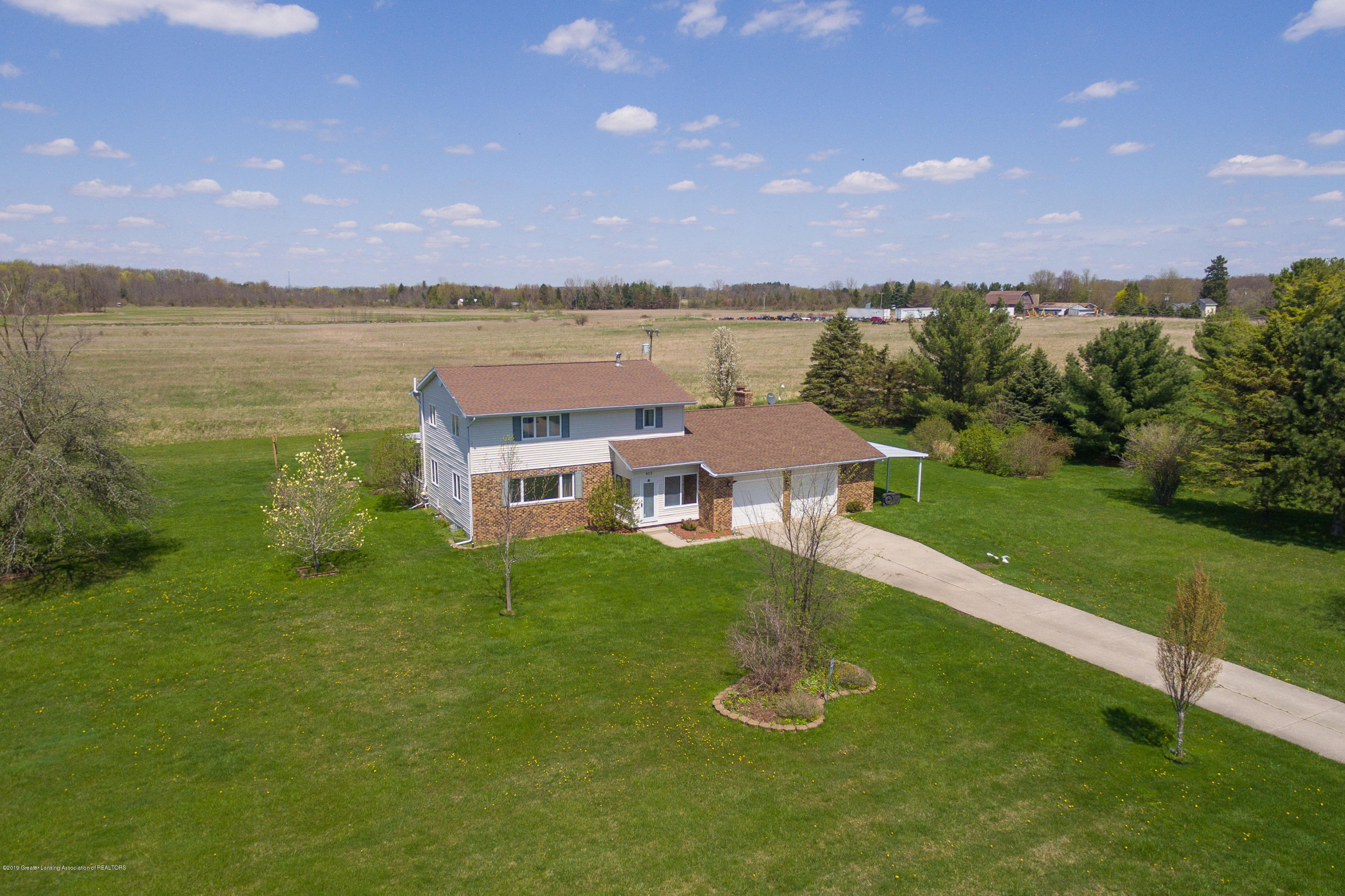 415 Holt Rd - Country setting - 2