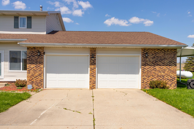 415 Holt Rd - Extra-large 2 car garage - 6