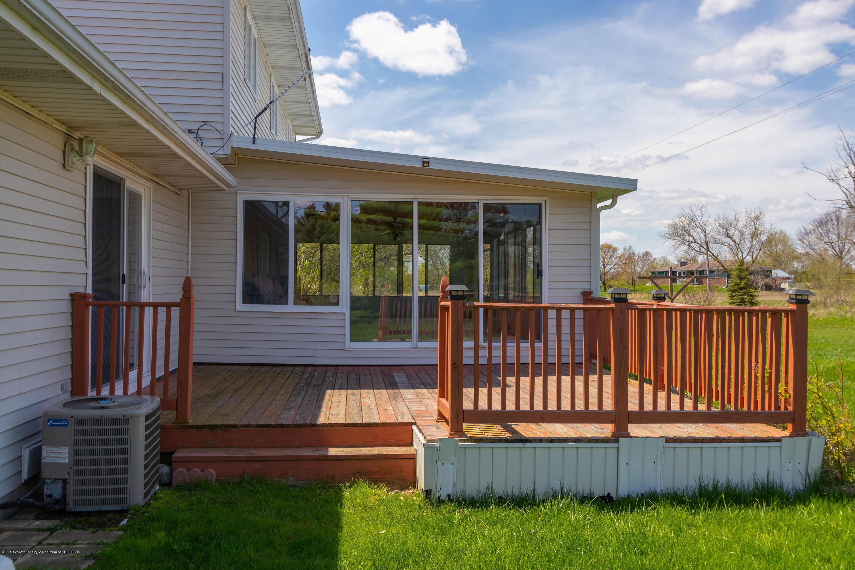 415 Holt Rd - Back deck - 39