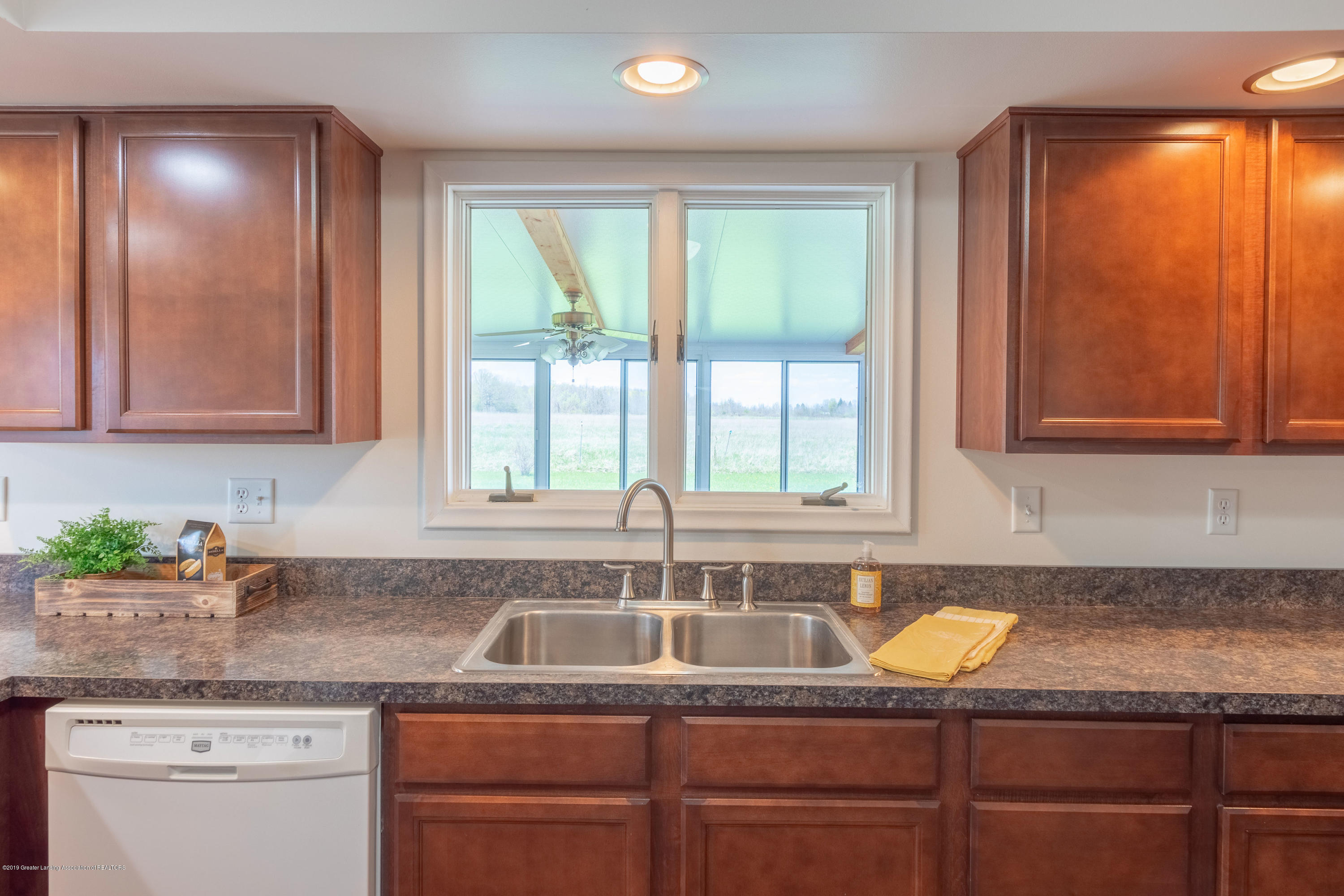 415 Holt Rd - Window over sink - 19