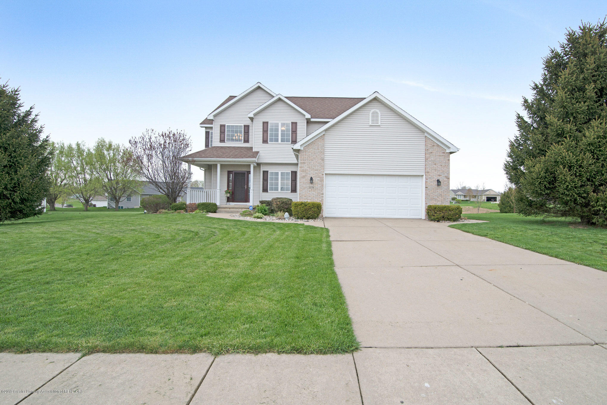 3379 Daryls Way - front - 1