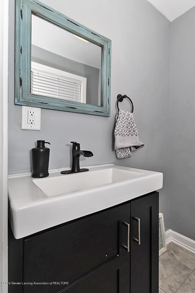 10649 Nixon Rd - 1/2 Bath - 14