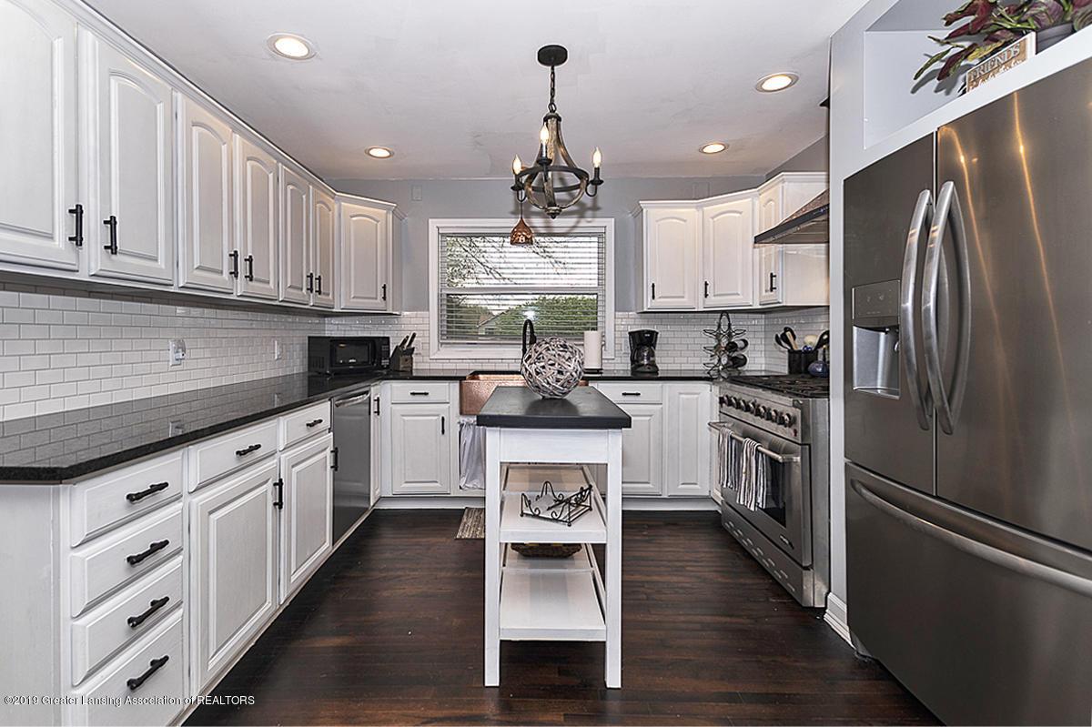 10649 Nixon Rd - Gourmet Kitchen - 7