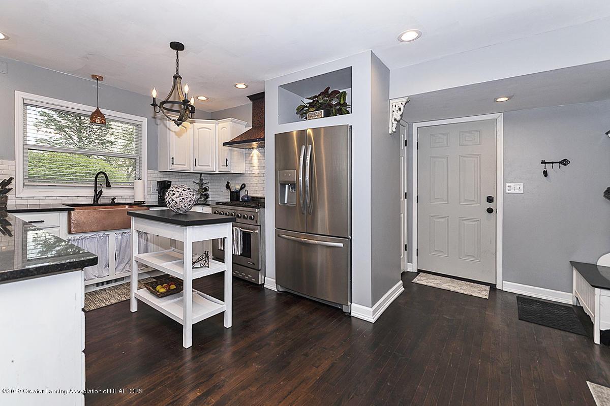 10649 Nixon Rd - Gourmet Kitchen - 8