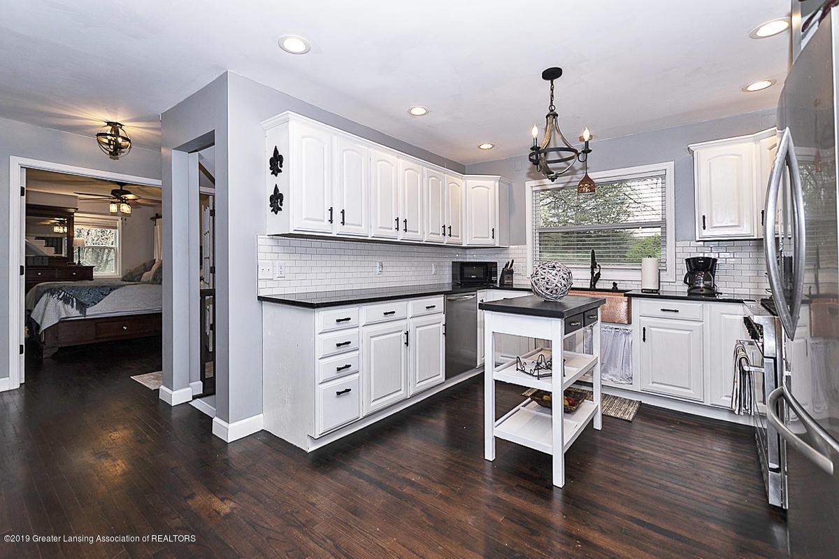 10649 Nixon Rd - Gourmet Kitchen - 6
