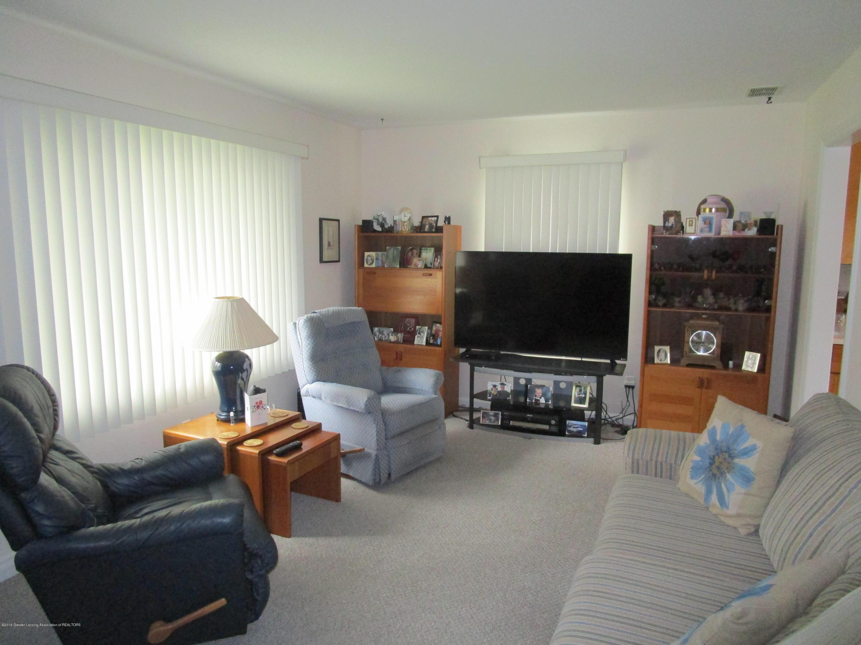523 Hamilton Ave - 3 Living (6) - 4