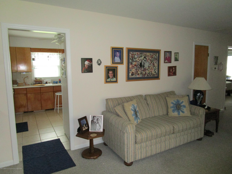 523 Hamilton Ave - 4 Living (2) - 5