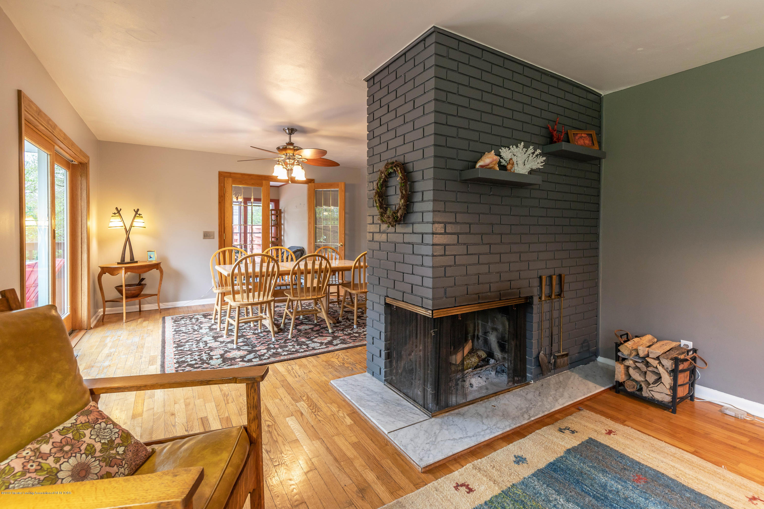 2170 Lagoon Dr - Fireplace - 9