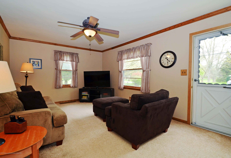 4962 Wilcox Rd - 4Living Room - 4