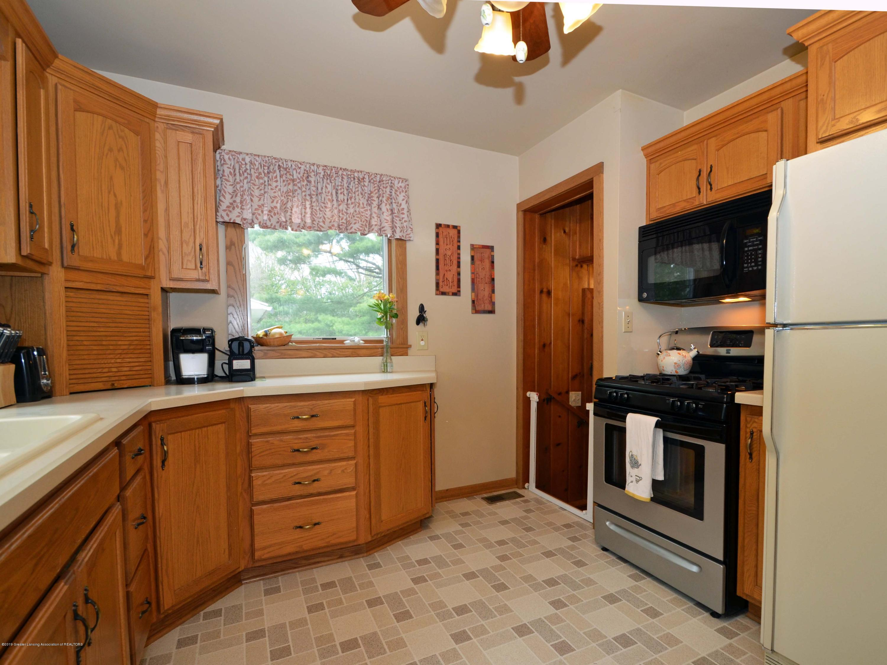 4962 Wilcox Rd - 9Kitchen - 9
