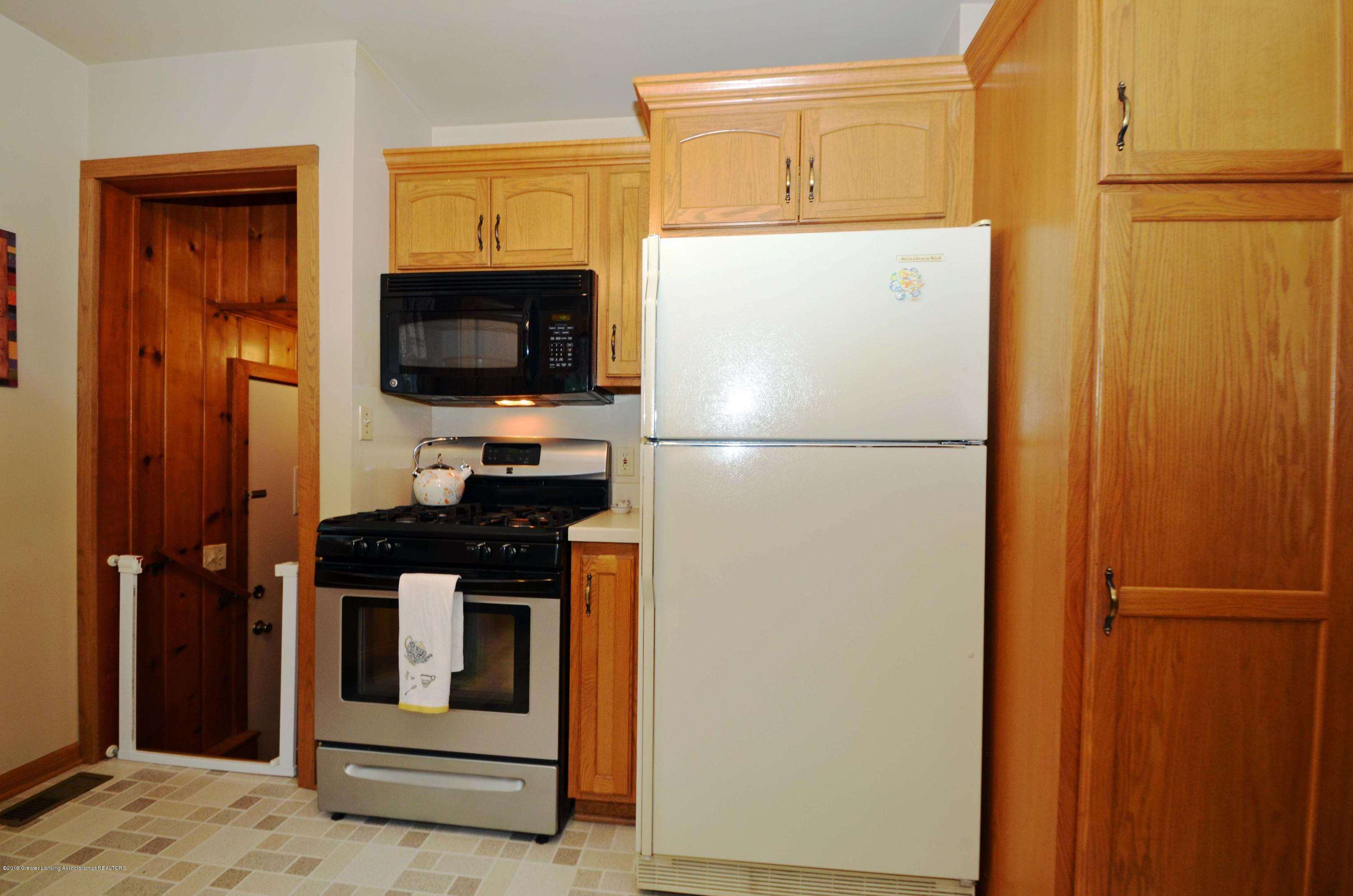 4962 Wilcox Rd - 10Kitchen - 10