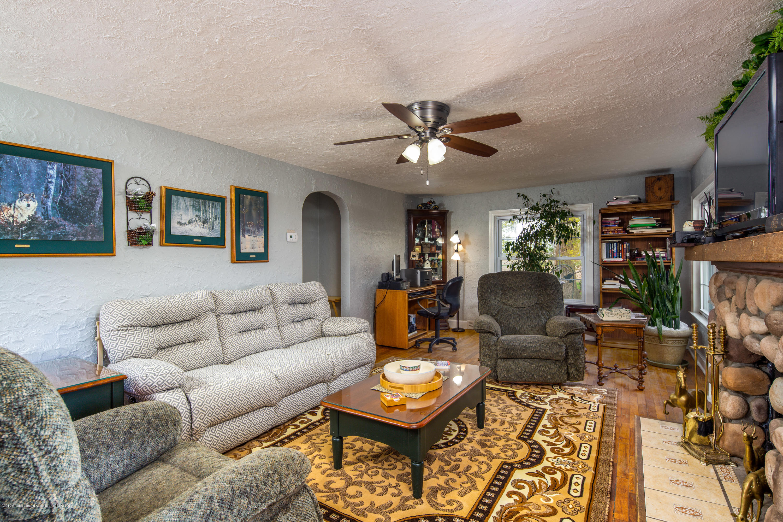 1325 W Grant Rd - Living Room - 5