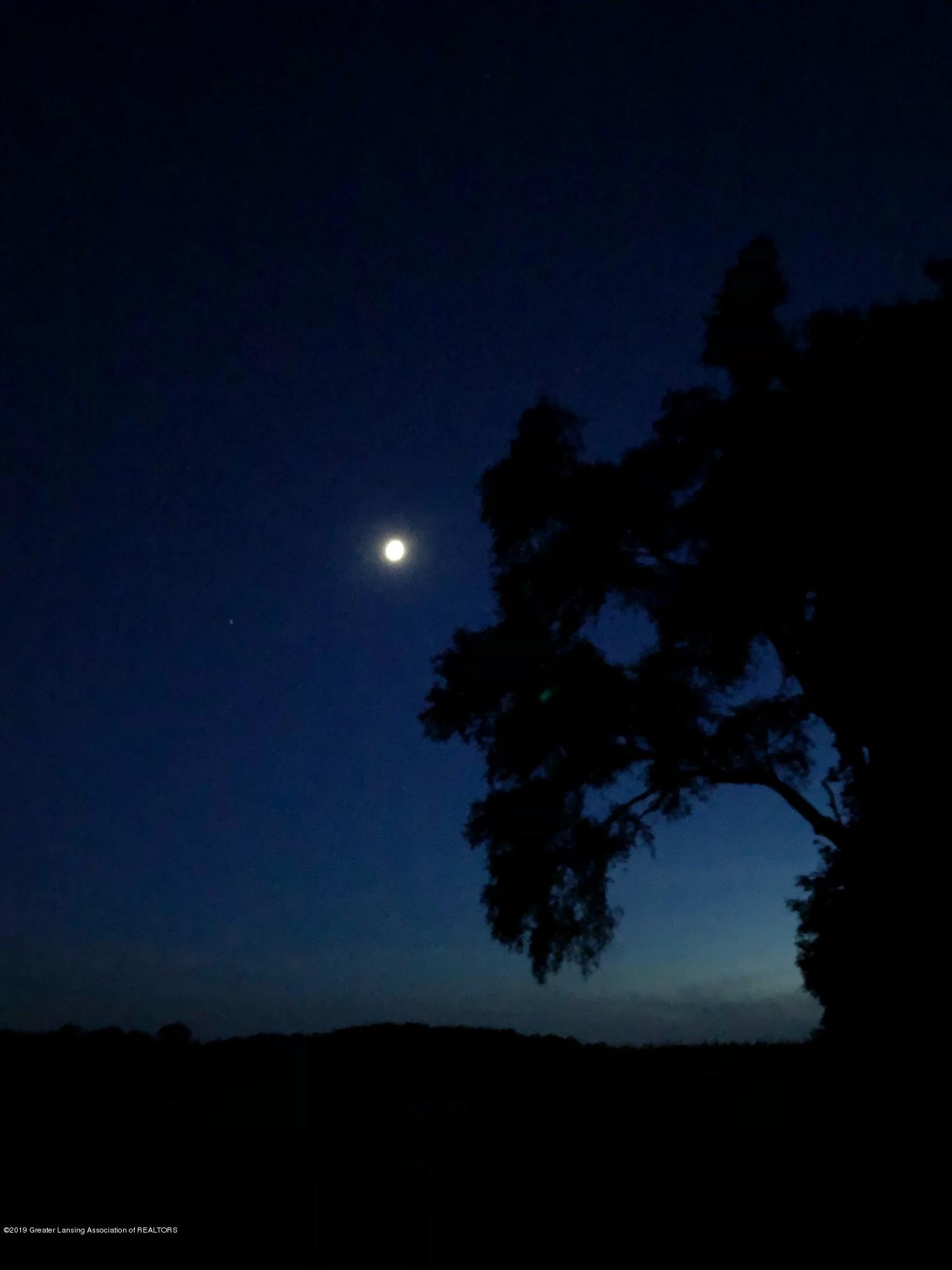 1325 W Grant Rd - Moon - 40