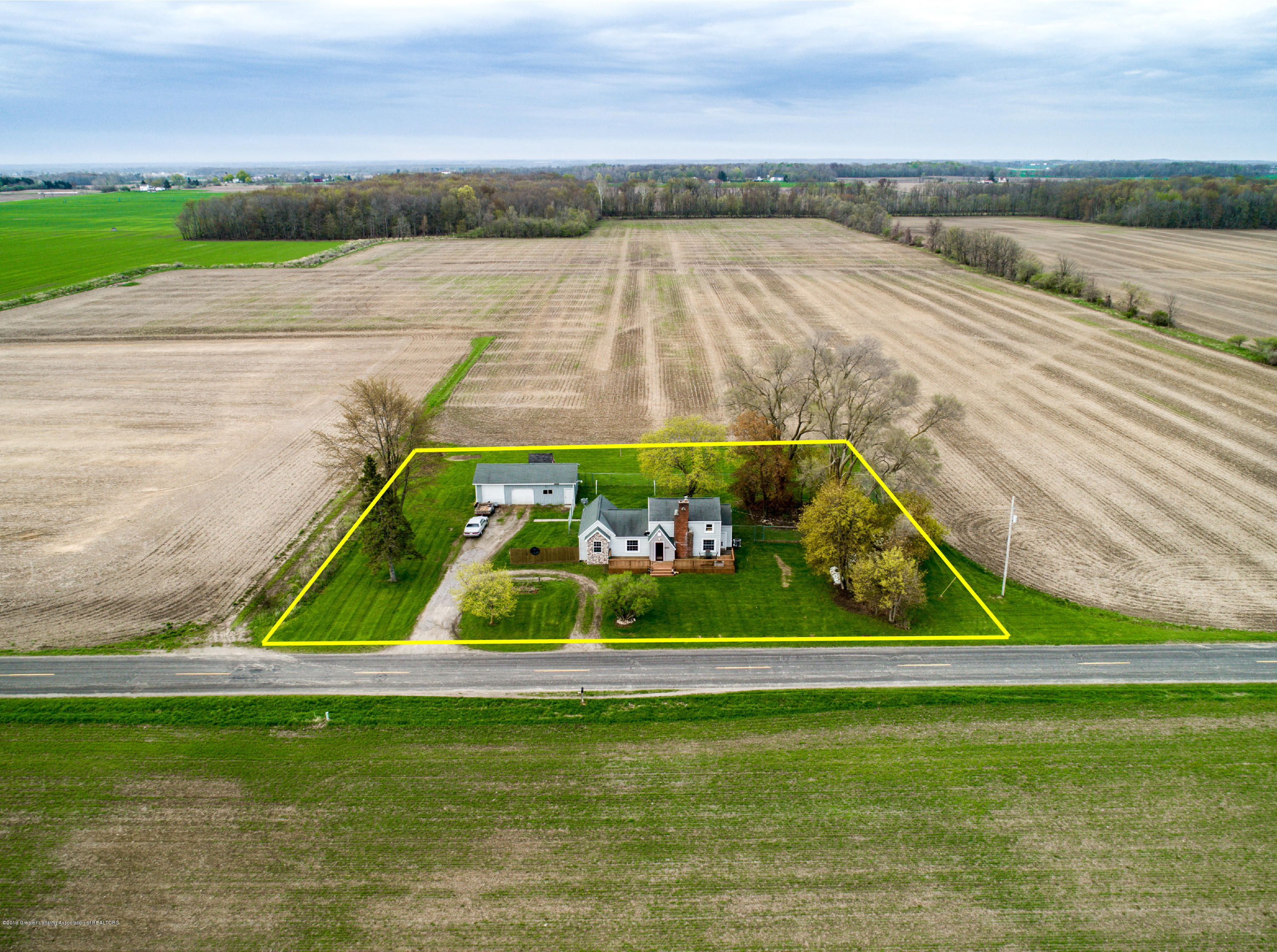 1325 W Grant Rd - Aerial View - 33
