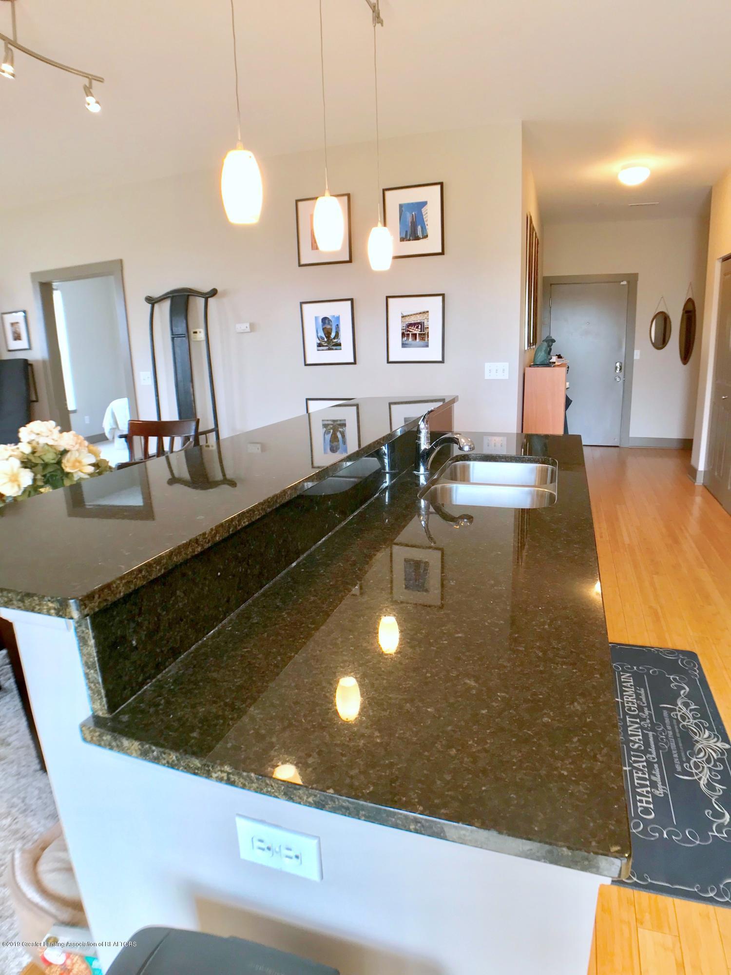 500 E Michigan Ave 420 - Kitchen - 15
