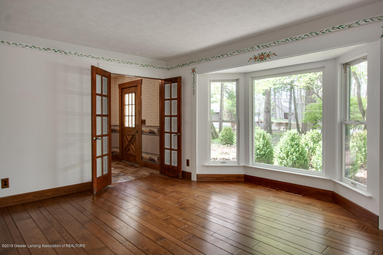 3782 Thistlewood Rd - Living Room - 12