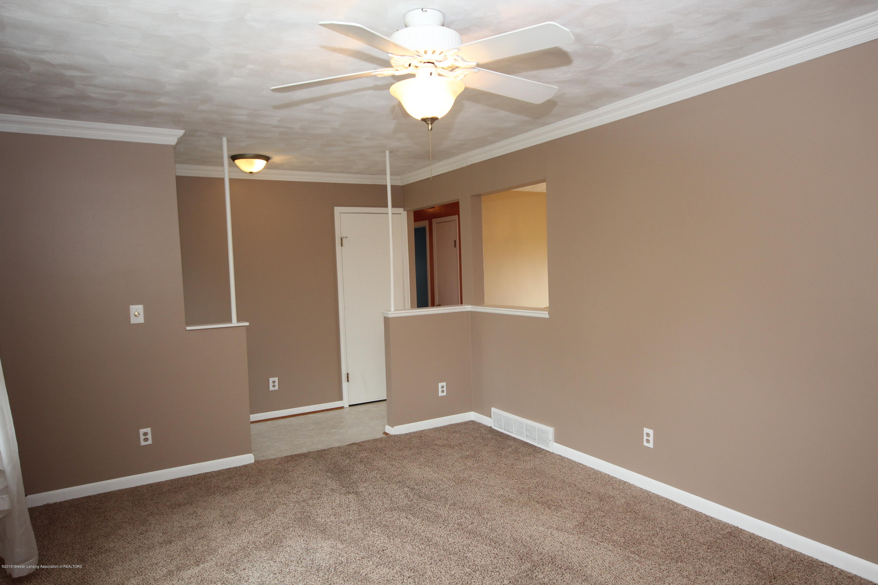 4836 W Lowe Rd - Living Room - 3
