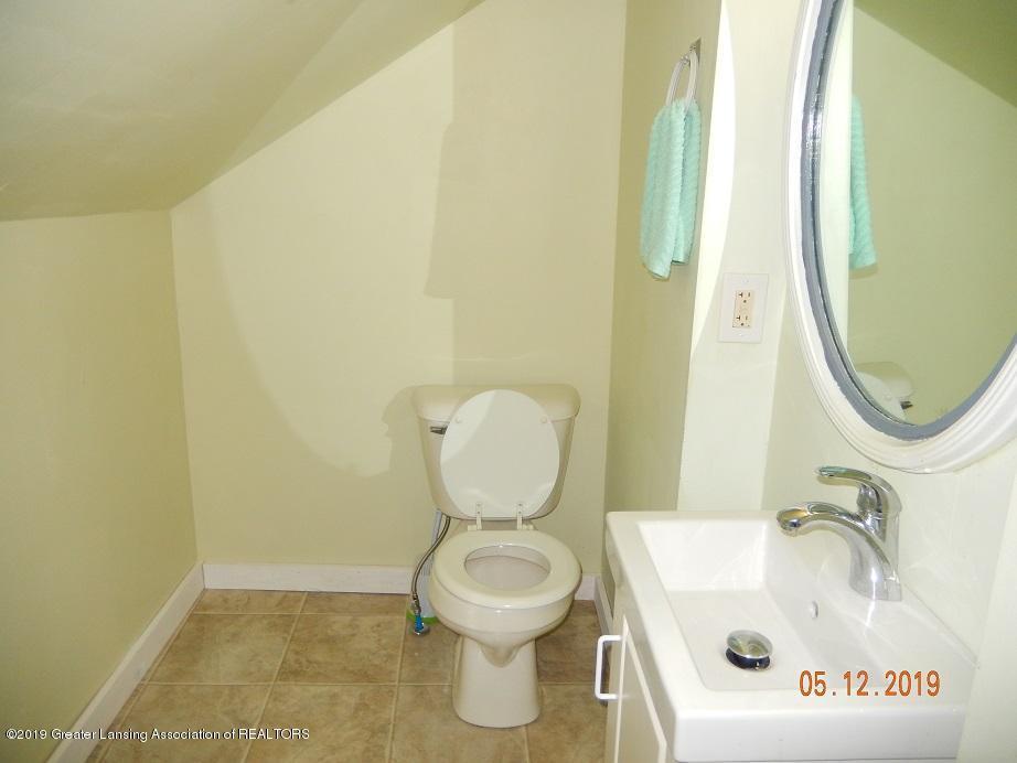 3011 N Cedar St - bath10512 - 14