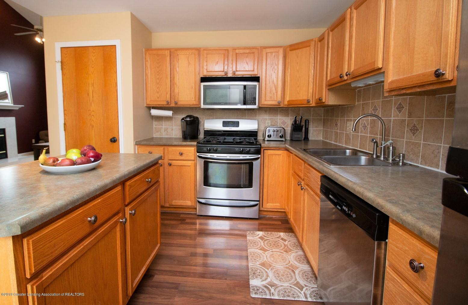 650 Winding River Way - Kitchen - 9