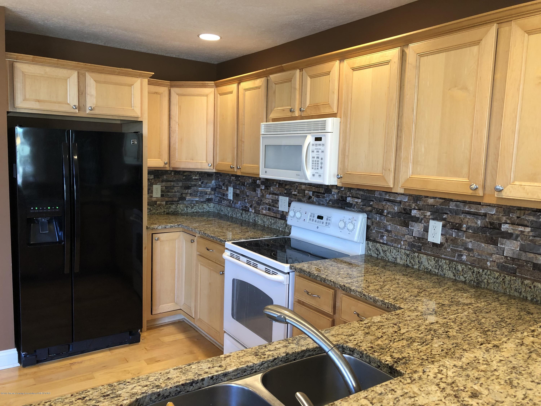 2364 Fieldstone Dr - kitchen - 9