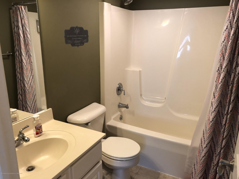 2364 Fieldstone Dr - guest bath 2 - 22