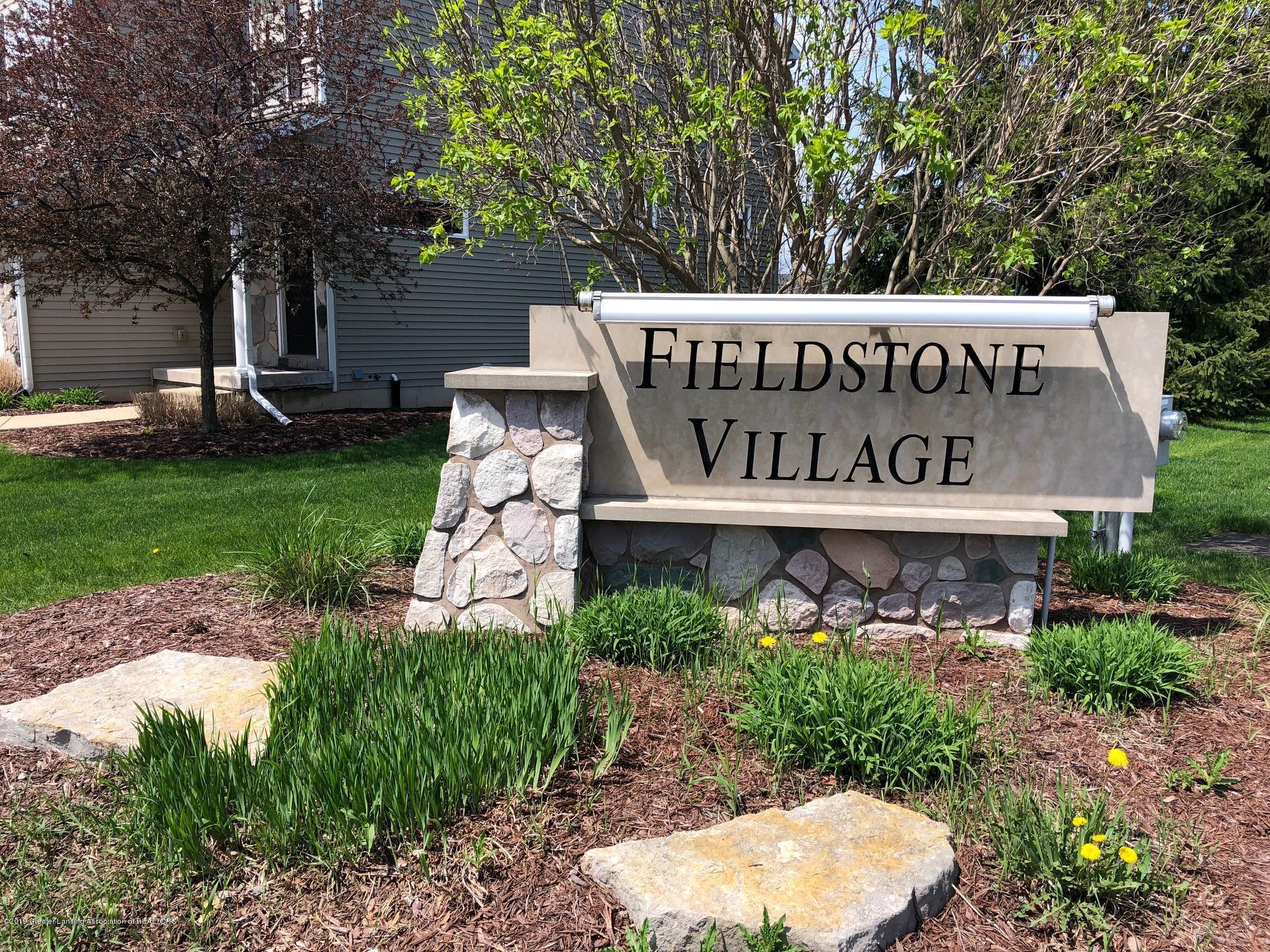 2364 Fieldstone Dr - entrance - 26