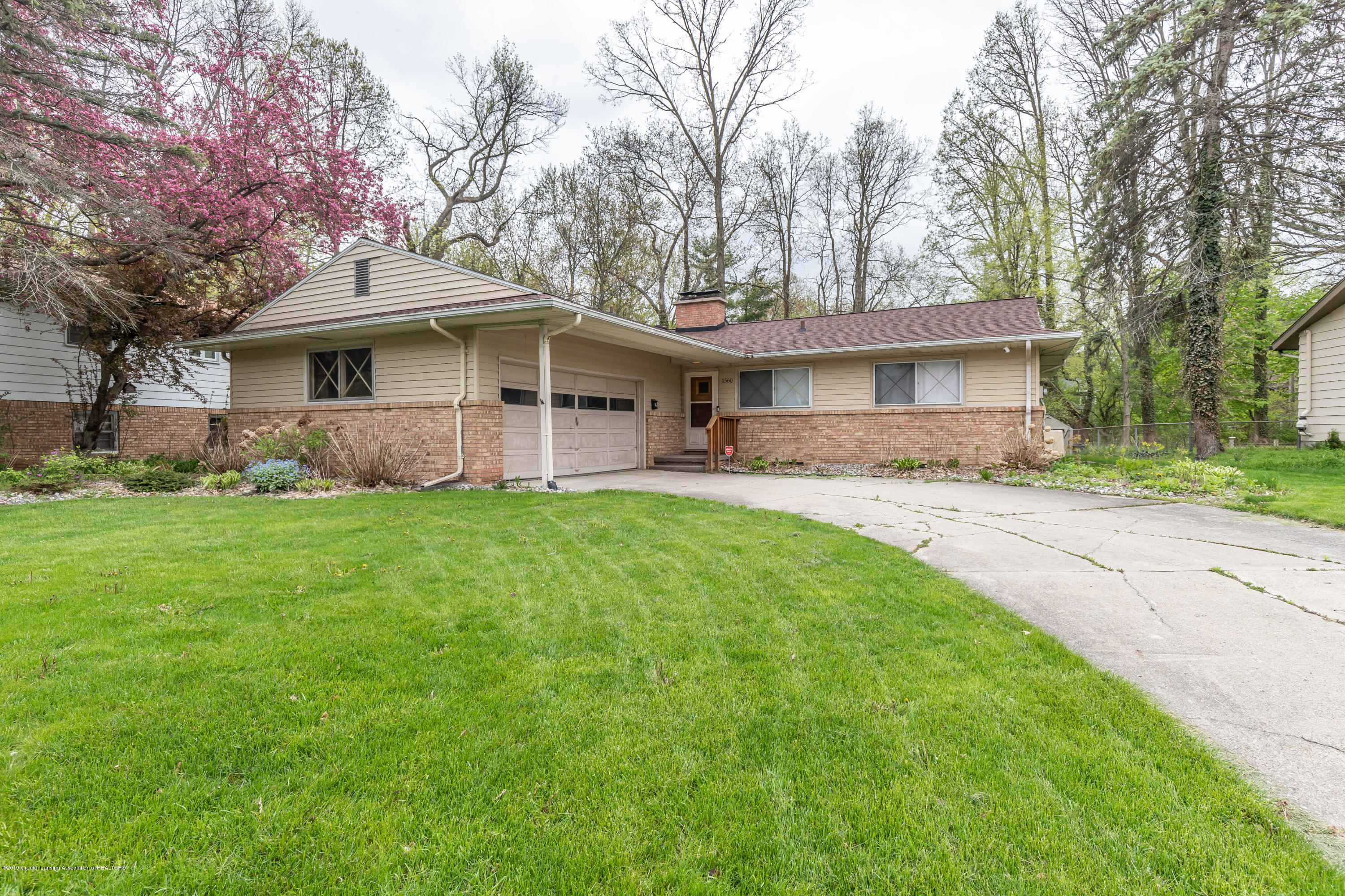 1560 Cahill Dr - cahillfront (1 of 1) - 1