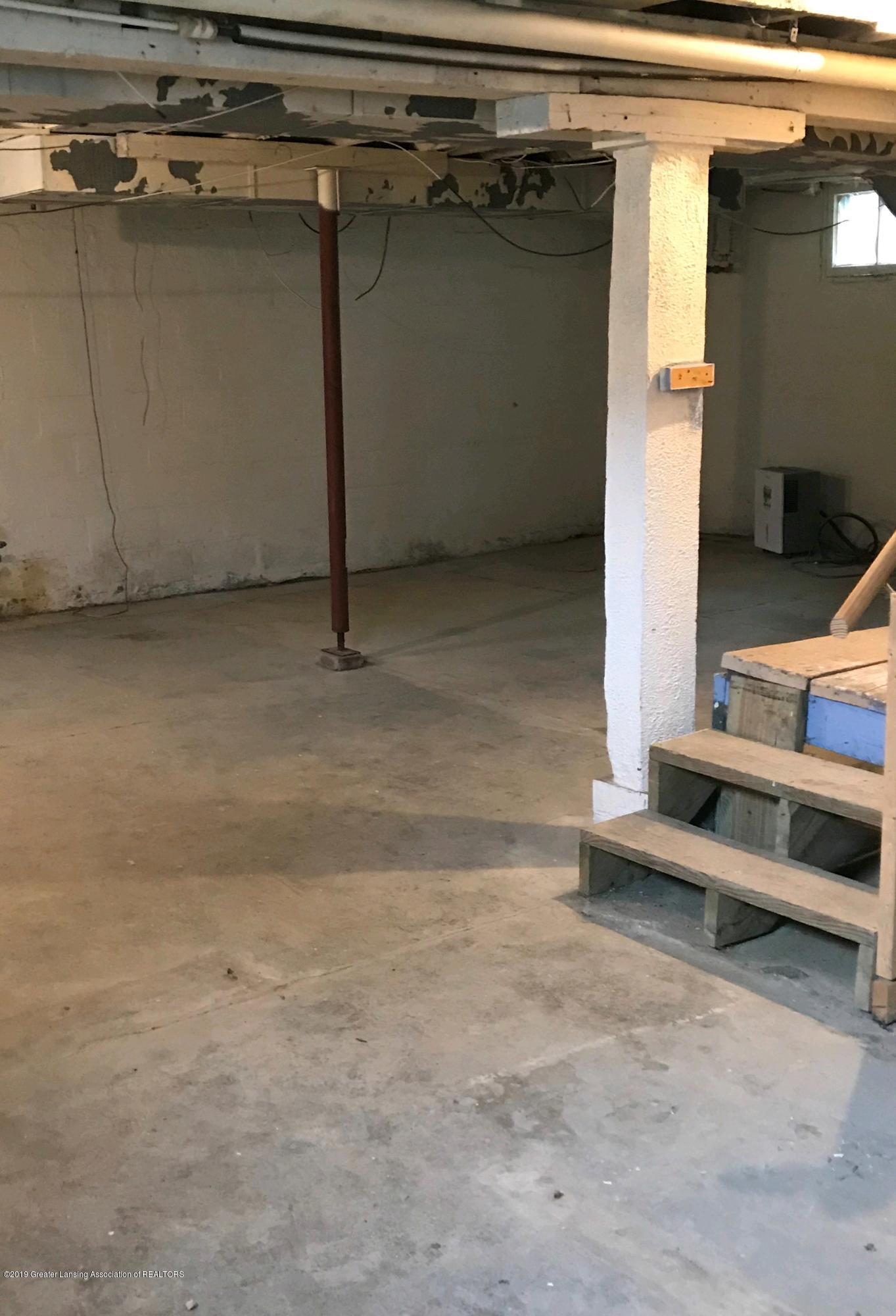 104 W Steel St - basement - 14