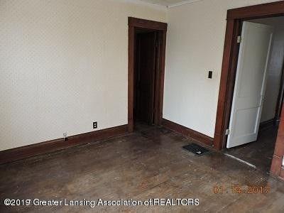 104 W Steel St - front room upstairs before steel - 11