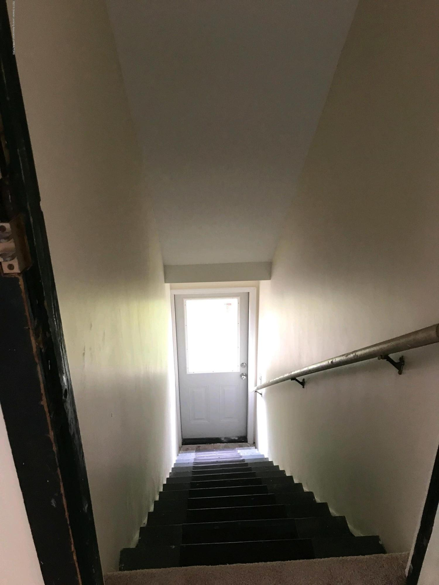 104 W Steel St - back stairway - 13