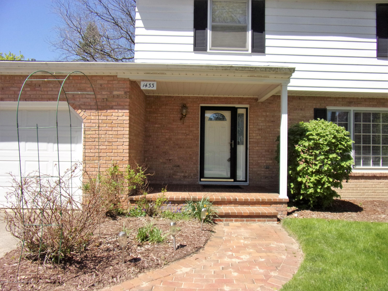 1433 Roxburgh Ave - 100_0939 - 2
