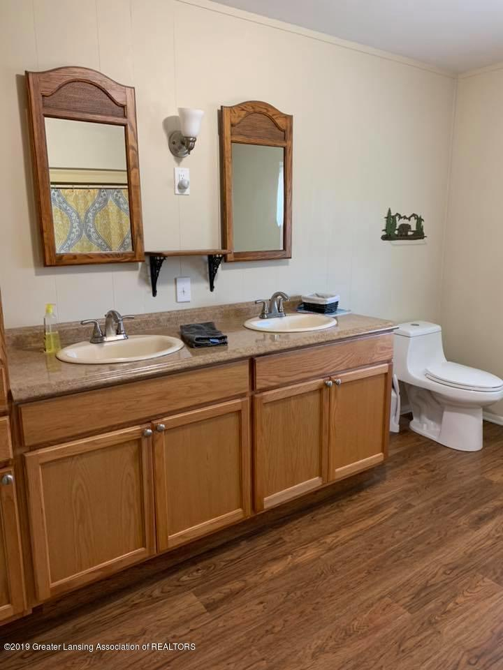2834 S State Rd - Bathroom - 8