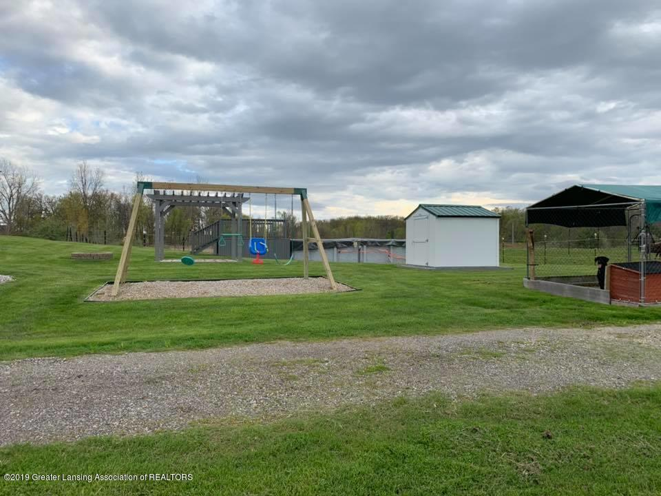 2834 S State Rd - Above Ground Pool, Playset - 25