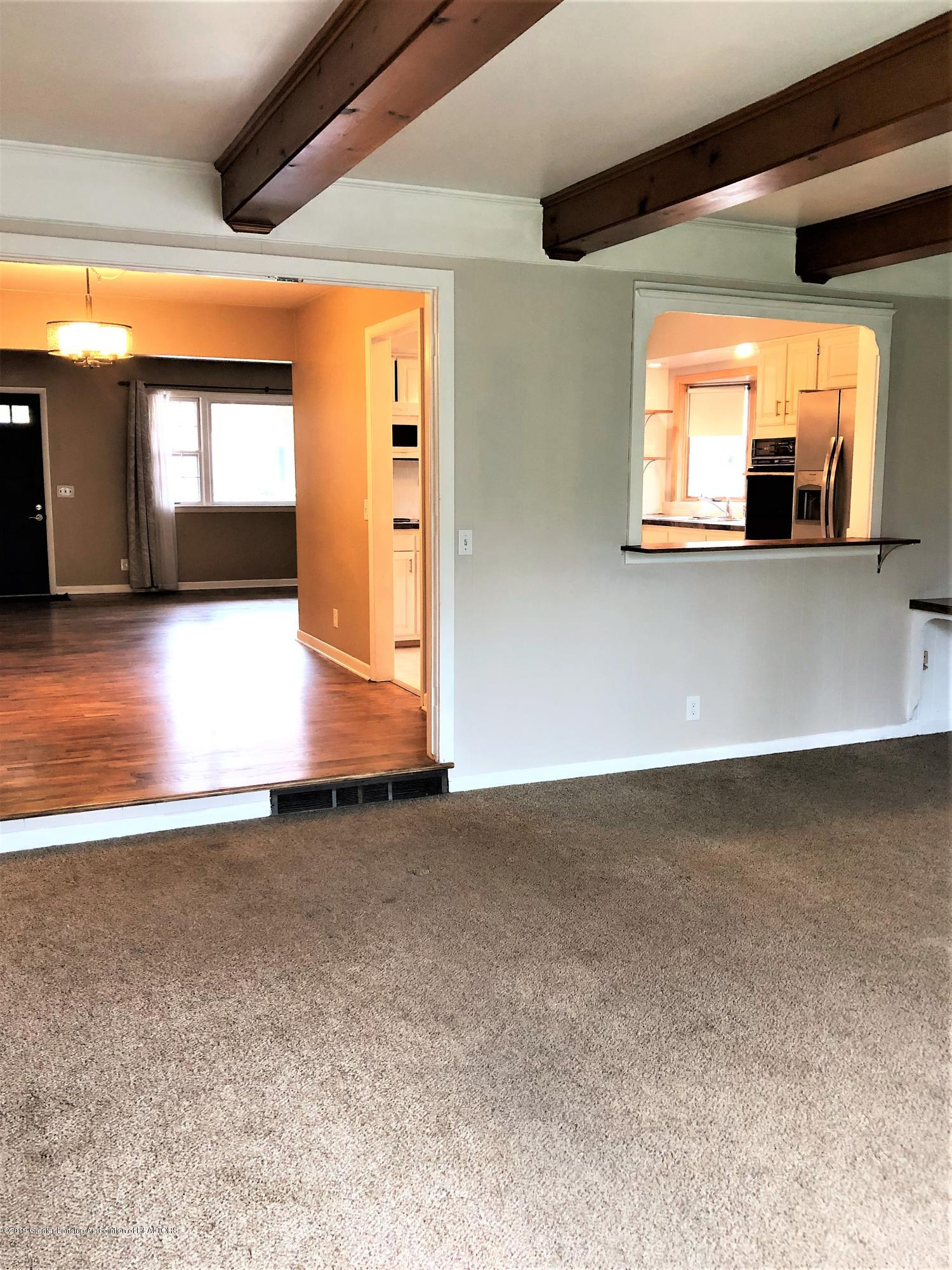 1221 Kimberly Dr - Family rm and Kitchen - 7