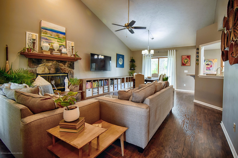 2417 Bush Gardens Ln - Living Room - 9