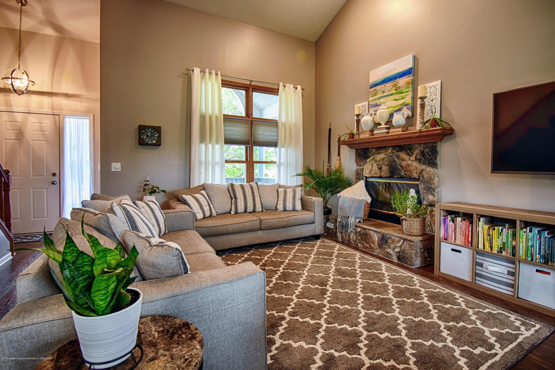 2417 Bush Gardens Ln - Living Room - 10
