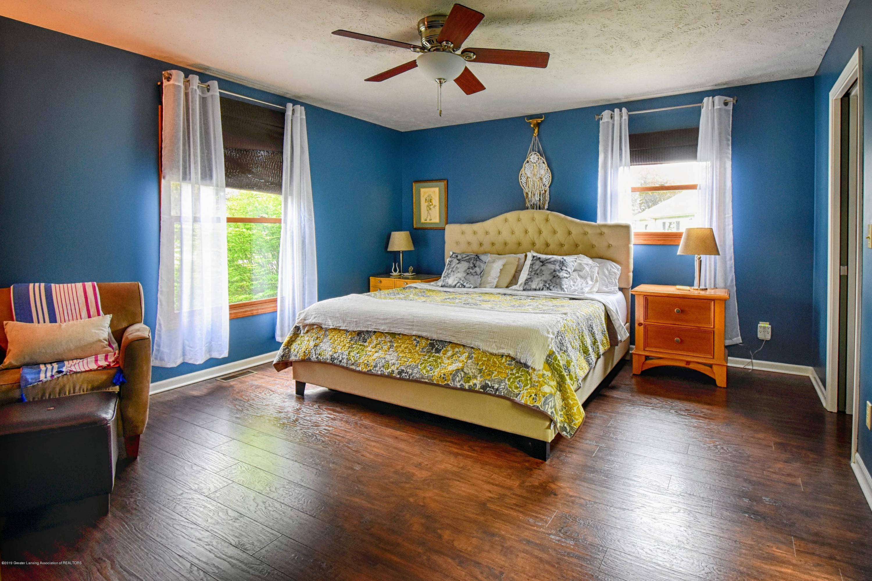 2417 Bush Gardens Ln - Master Bedroom - 16
