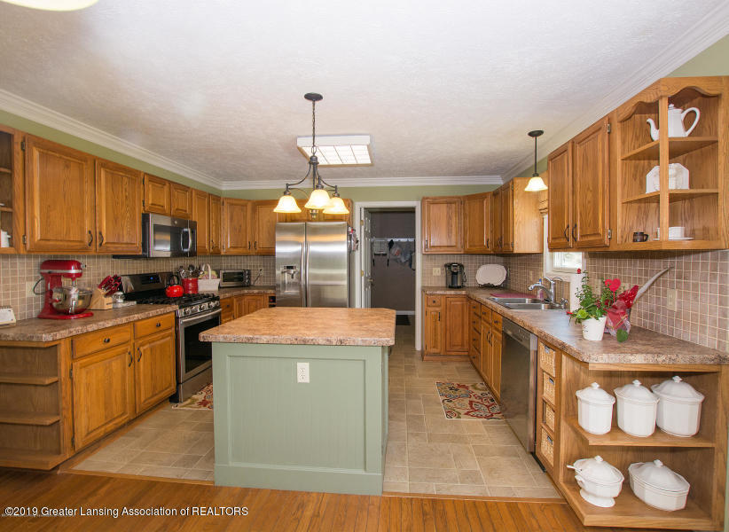 11861 Shady Pines Dr - Kitchen - 3