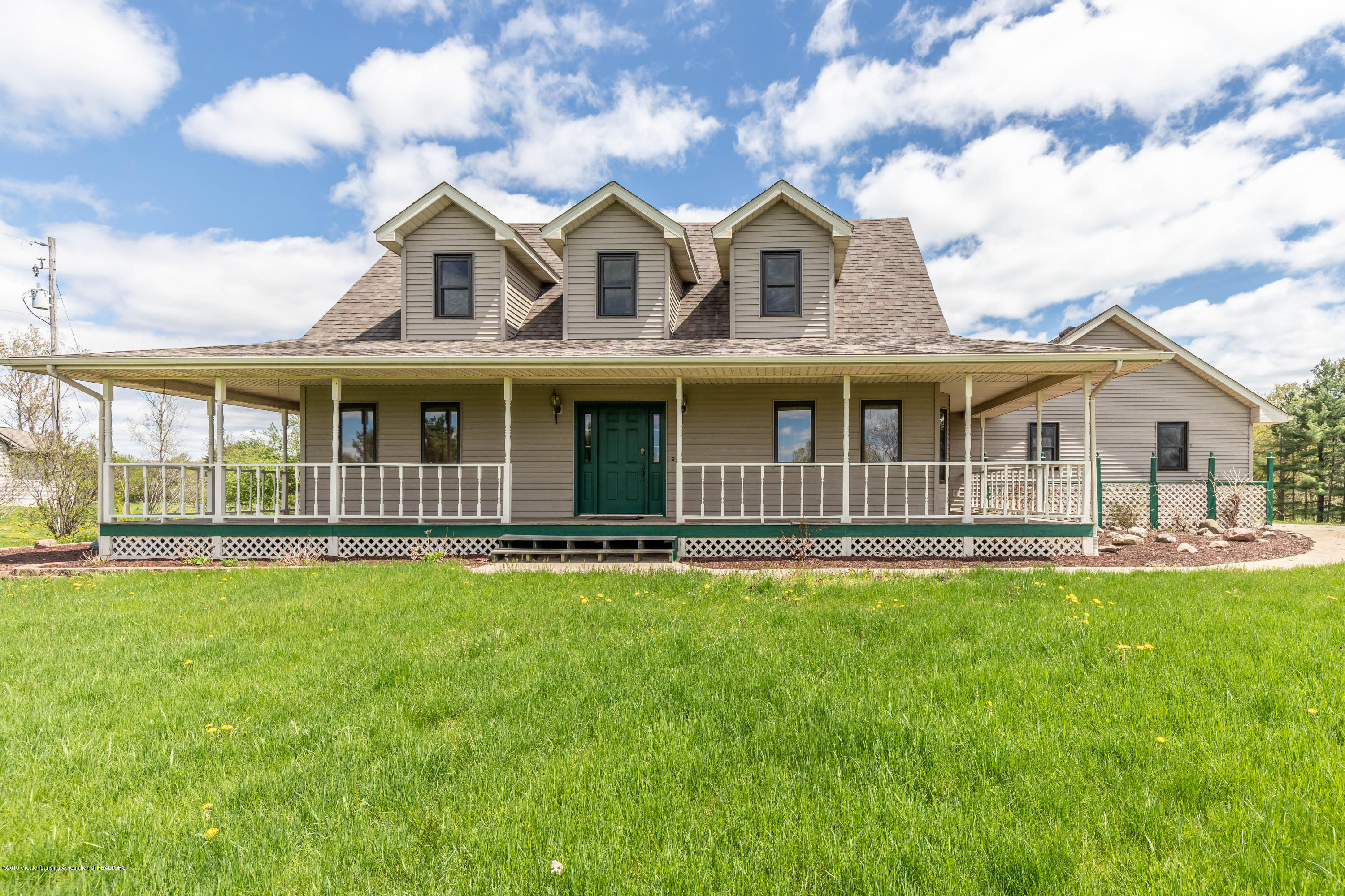 15677 Airport Rd - Front - 2