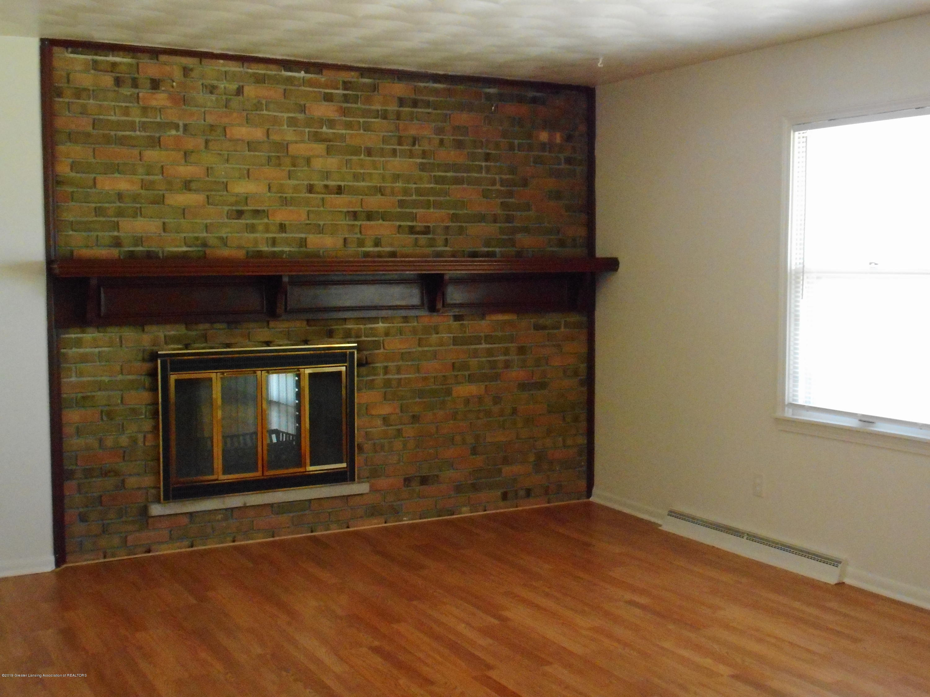 3912 Walton Dr - Living Room - 19