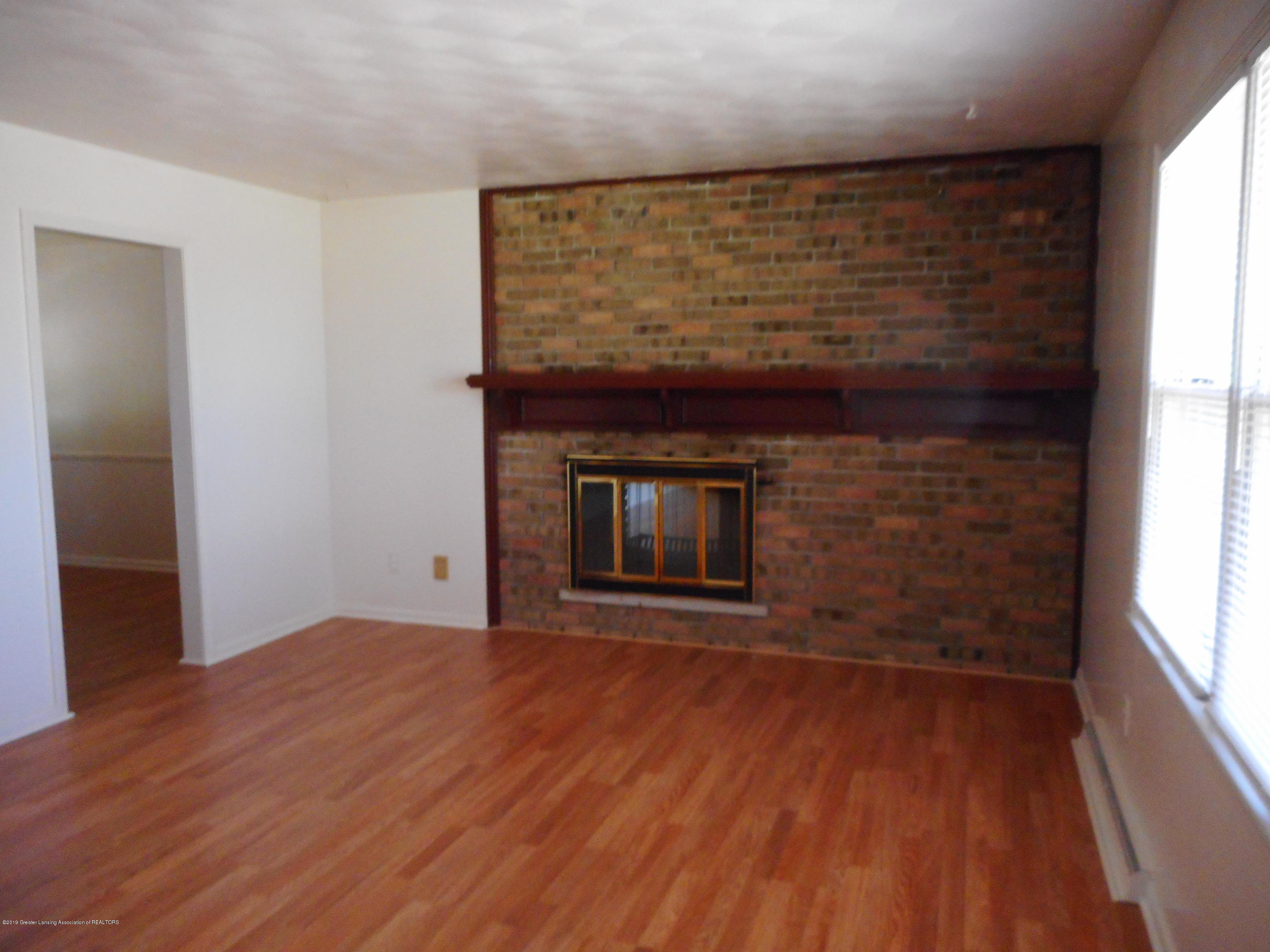 3912 Walton Dr - Formal Living Room - 20