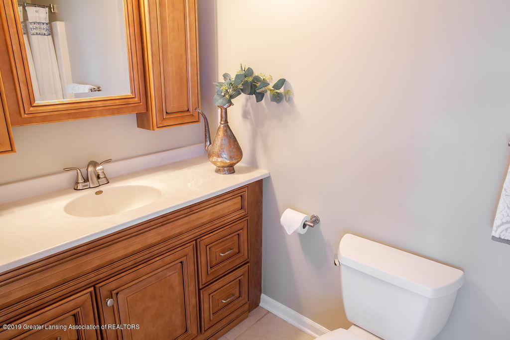 12953 W State Rd - Full bathroom - 18