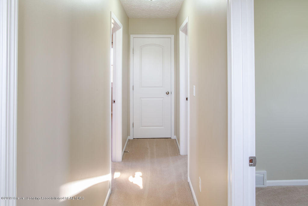12953 W State Rd - Upstairs Hall - 19