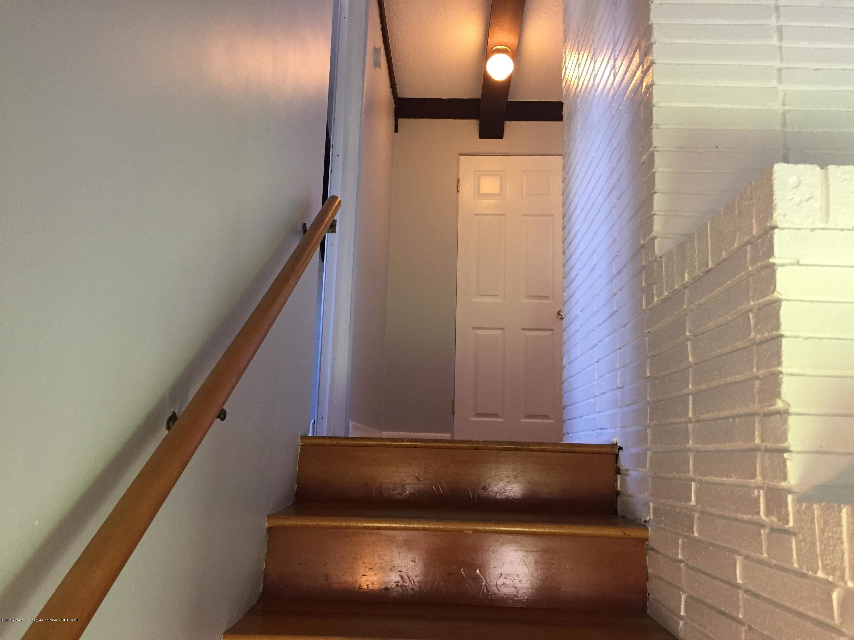 1009 Norwood Rd - 12 stairway - 12