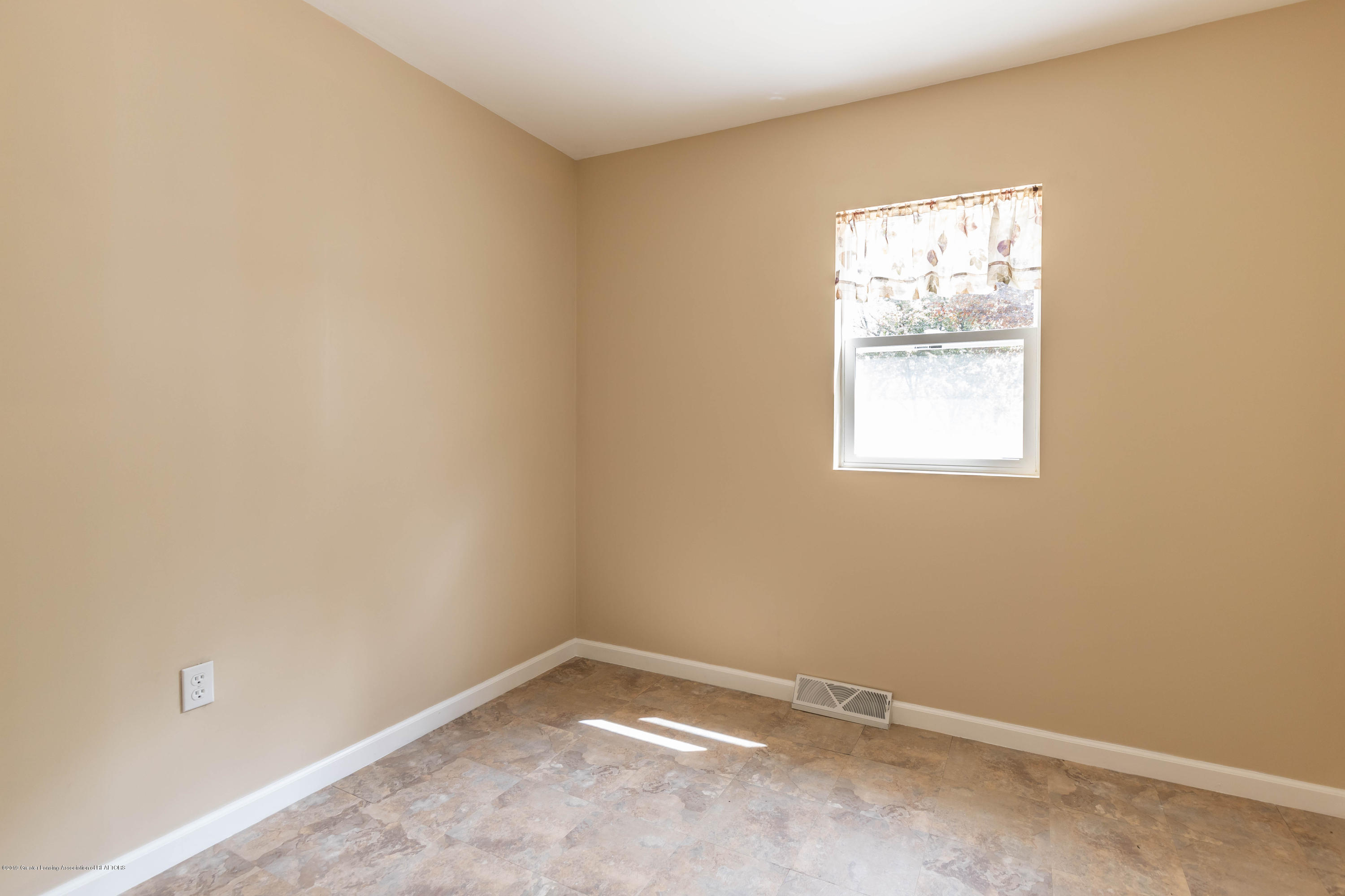 8344 M 21 - Other room - 25