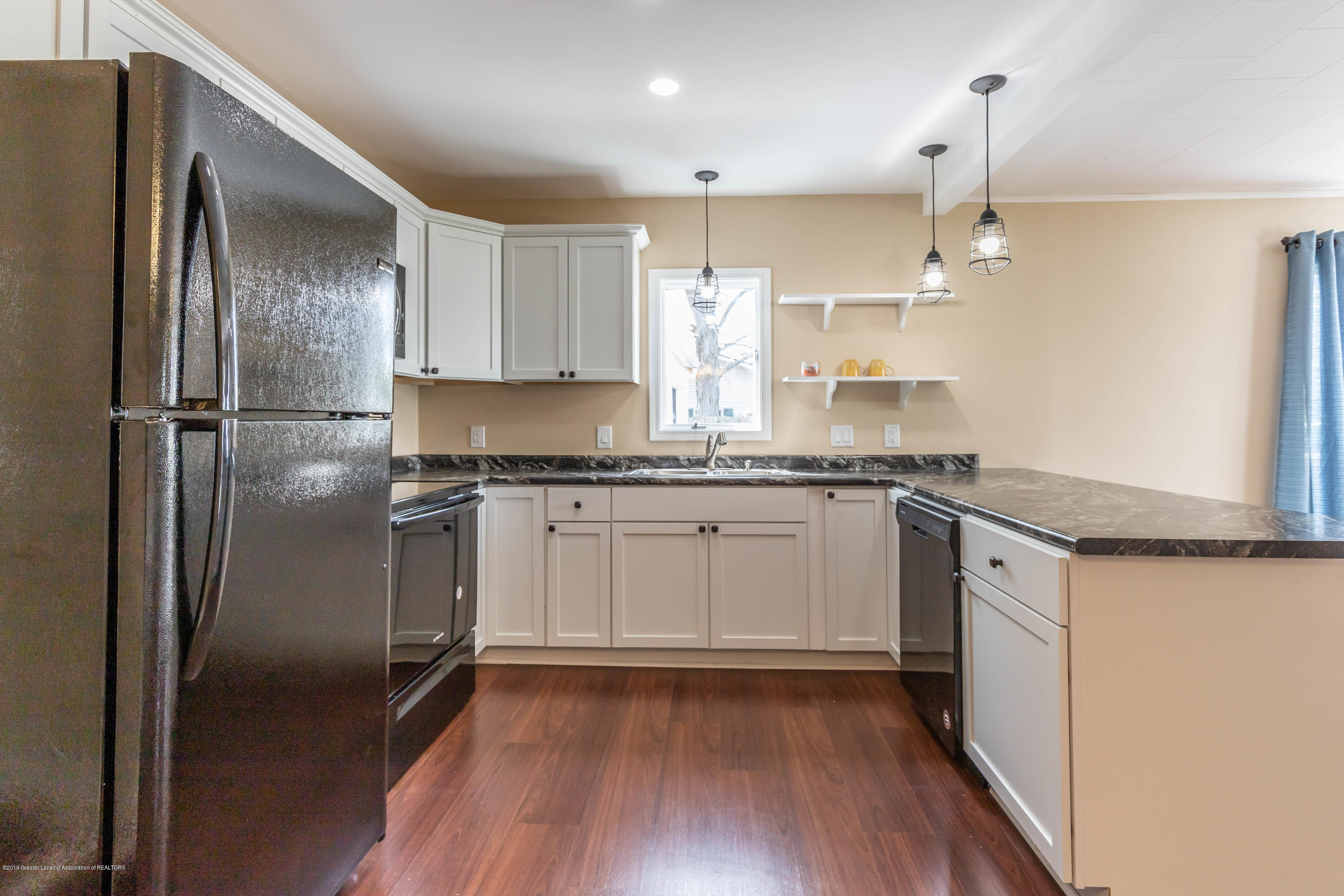 8344 M 21 - Kitchen - 11
