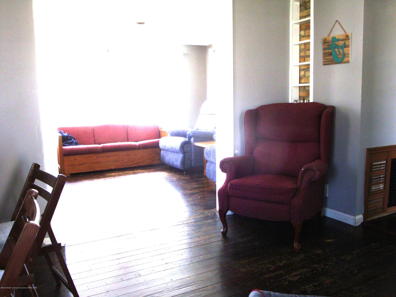 5925 Potter St - Foyer to Living - 6