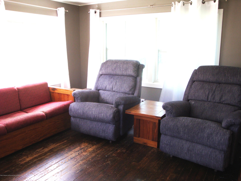 5925 Potter St - living room 2 - 8
